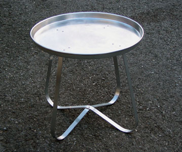 Pizza Pan Table